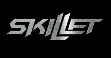Skillet - Looking for Angels