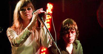 Chromatics - Burning Bridges