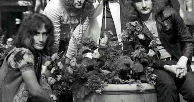 Uriah Heep - Take Away My Soul