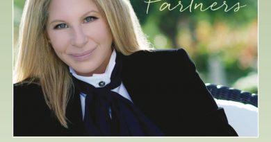 Barbra Streisand, Walter Afanasieff - Love's Never Wrong
