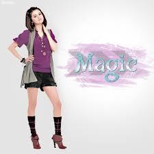 Selena Gomez - Magic