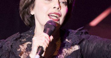 Mireille Mathieu - L'amour oublie le temps