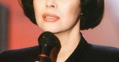 Mireille Mathieu - Sometimes